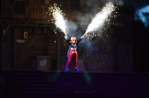 2014-08-22 210258 - Mickey Mouse Fireworks Fantasmic Disneyland (2)
